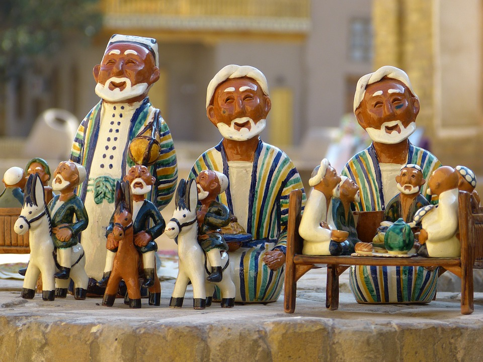 Глиняные фигурки узбеков